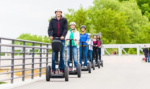 Mobilità elettrica, entro l'estate le sperimentazioni su strada