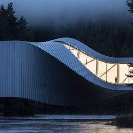 The Twist. BIG firma il nuovo museo sospeso su un fiume norvegese, un vero ponte per l'arte