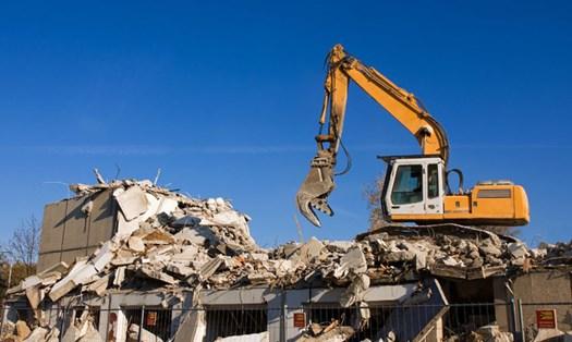 Abusi edilizi, ecco quando la demolizione può essere revocata o sospesa