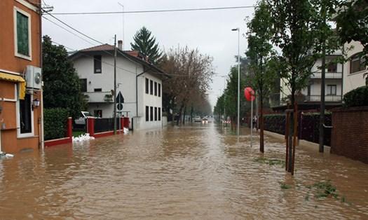 Edifici abusivi, nessun risarcimento per danni da calamità naturali