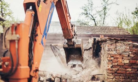 Abusi edilizi, quando si possono fermare le ruspe?